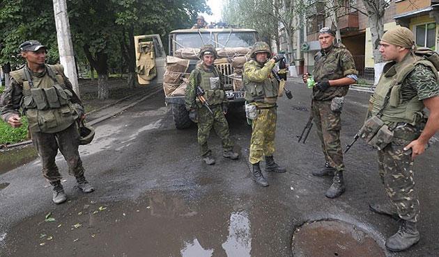 Ukrayna'daki çatışmalarda 4 asker öldü