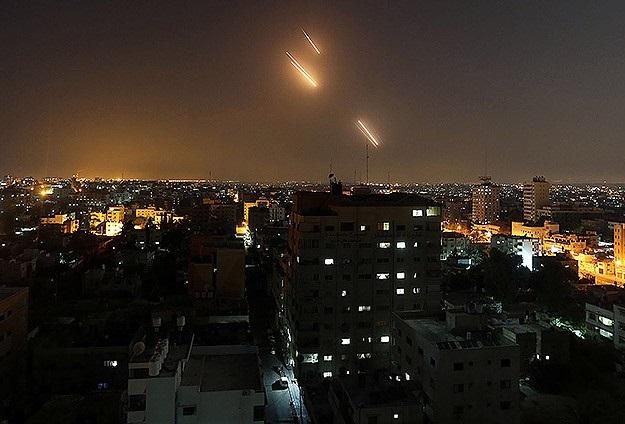 İsrail, saldırmak için füzeleri mazeret sayıyor