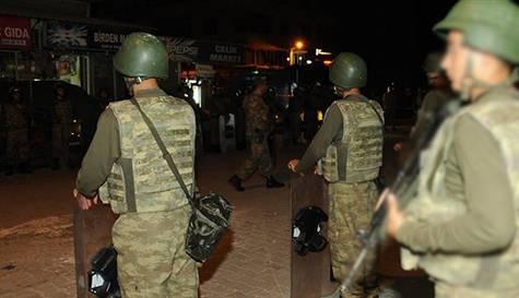Kaçakçıların ateşinde iki asker can verdi
