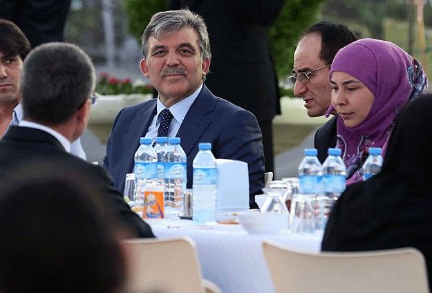 Gül, Suriyeli sığınmacılarla iftar yaptı