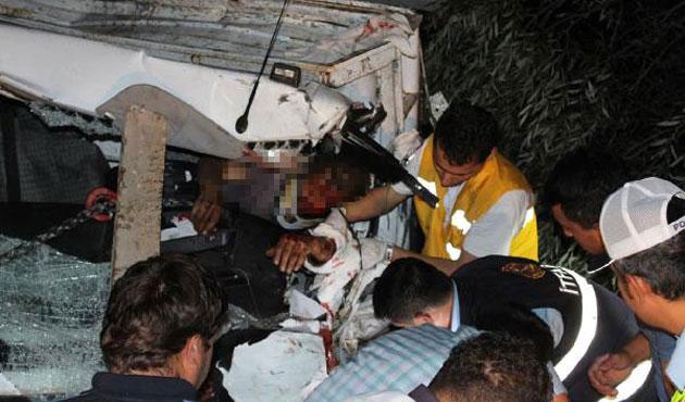 Hız, dikkatsizlik ve alkol: 108 ölü, 4 bin yaralı