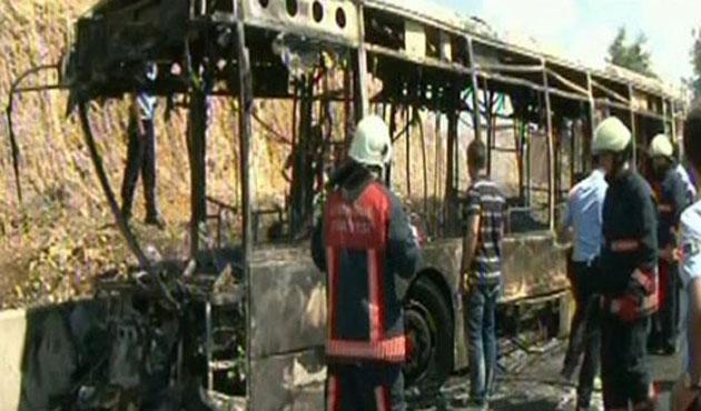 Seyir halindeki halk otobüsü yandı: 3 Ölü