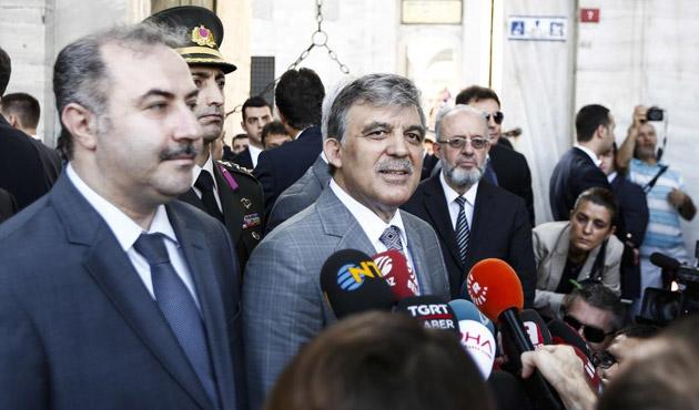 Cami çıkışında 'Başbakan Gül' sloganları