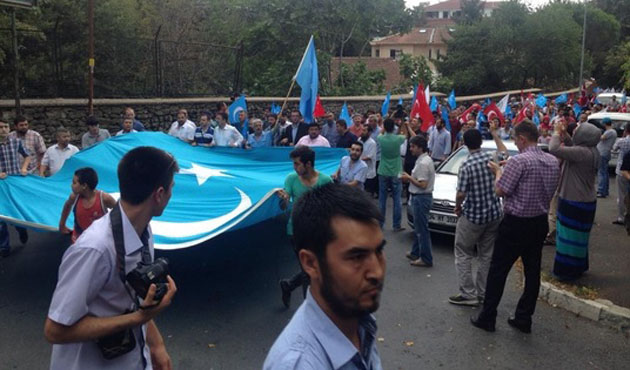 Doğu Türkistan Platformu Çin'i protesto etti