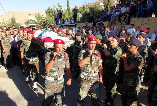 Lübnan-Suriye sınırındaki çatışmalarda 10 asker öldü