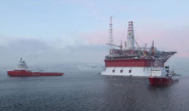 ABD ve Rusya Kuzey Kutbu'nda petrol arıyor