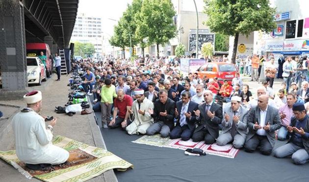 Berlin'de de Müslümanlarla 'Devlet Anlaşması' teklifi
