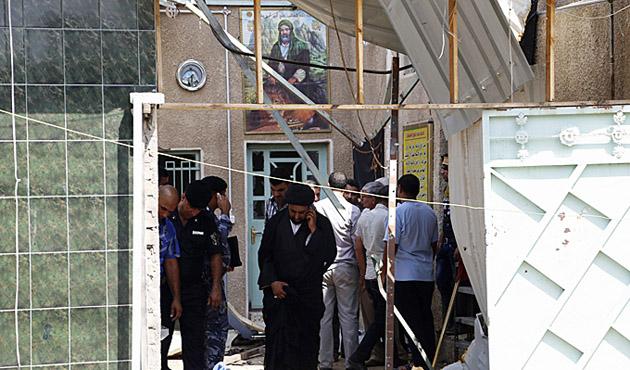 Bağdat'ta camiye saldırı, en az 15 ölü