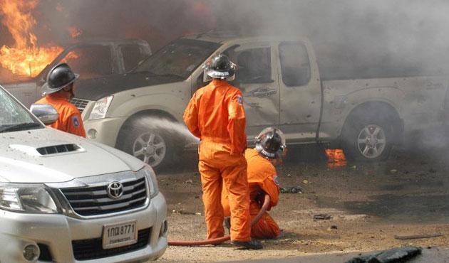 Patani'de bombalı saldırı