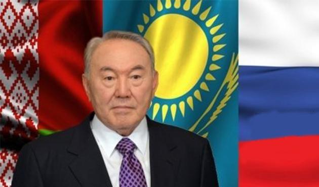 Nazarbayev'e seçimlerde iki rakip çıktı