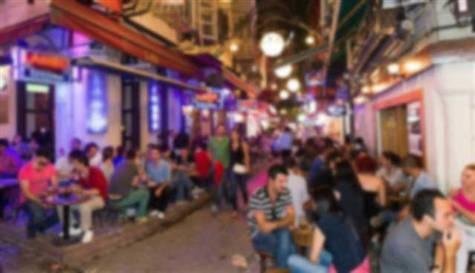 Beyoğlu'da sandalye kavgası: 1 ölü