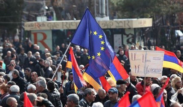 Rusya'ya yaptırım uygulayan Batı, Ermenistan'ı görmüyor