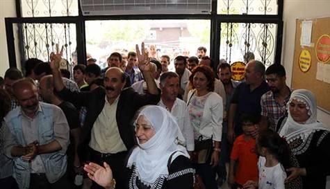 Diyarbakır'da Kürtçe okul gerginliği