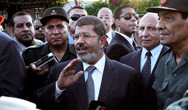 Mursi'ye destek veren hakimler görevden alındı