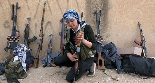 Kobani'de şiddetli çatışmalar sürüyor