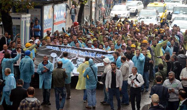 Zonguldak'ta madencilerin eylemi sürüyor
