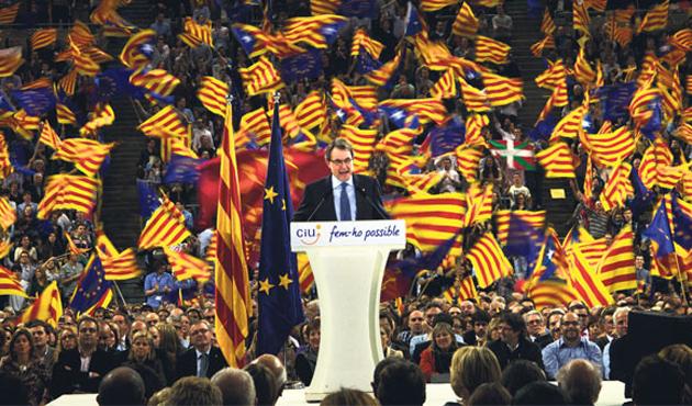 Katalonya'da referandum yerine kamuoyu yoklaması