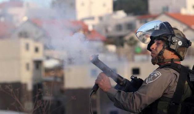 İsrail'den Filistinlilere biber gazlı saldırı