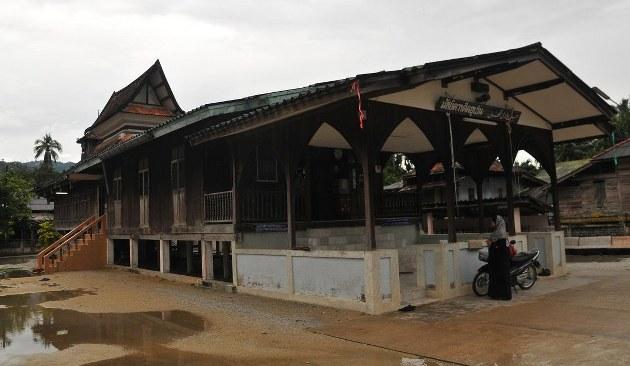 Patani'deki çivisiz cami, yıllara meydan okuyor