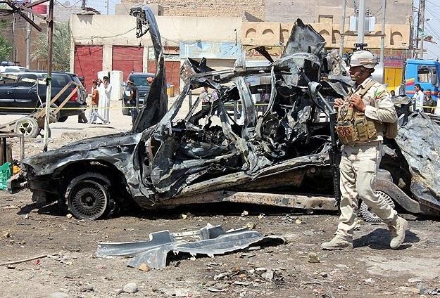Irak'ta camiye bombalı saldırı: 21 ölü