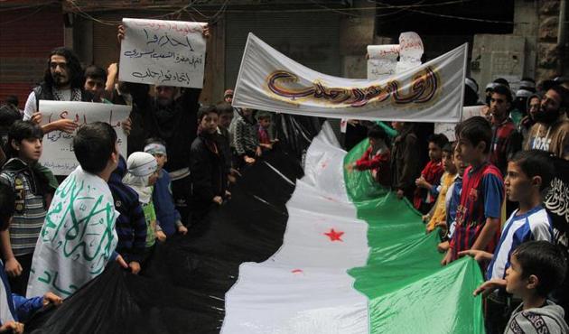 Halep'te Türkiye'ye destek gösterisi