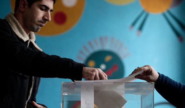Bulgaristan'da yeni hükümette ırkçı parti endişesi