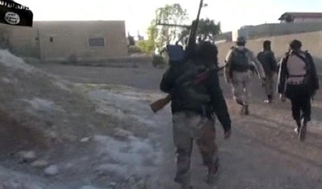 IŞİD Kobani sokaklarında-VİDEO