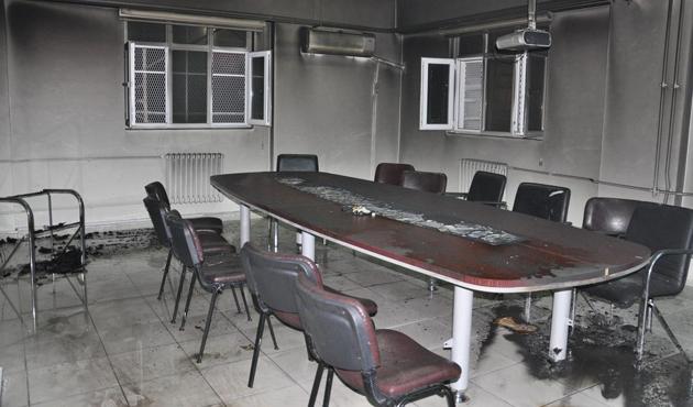 Silopi'de Milli Eğitim Müdürlüğü'ne saldırı