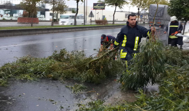 Şiddetli yağışlar Ege'yi vurdu, sırada Marmara var