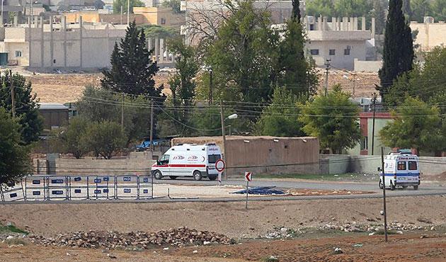 Kobani'de yaralananlar Türkiye'ye getiriliyor