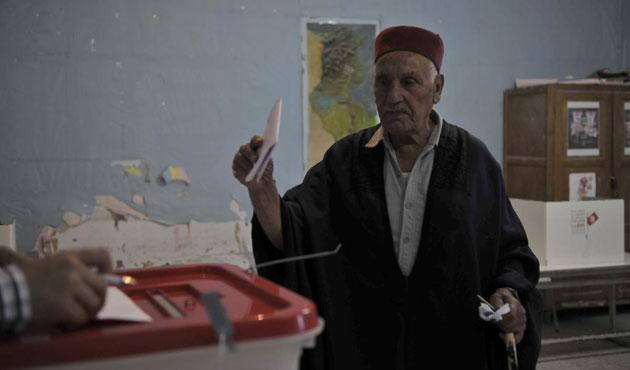 Tunus'ta seçime katılım yüzde 62