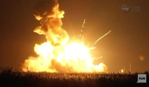 NASA'nın insansız uzay roketi havada patladı |VİDEO
