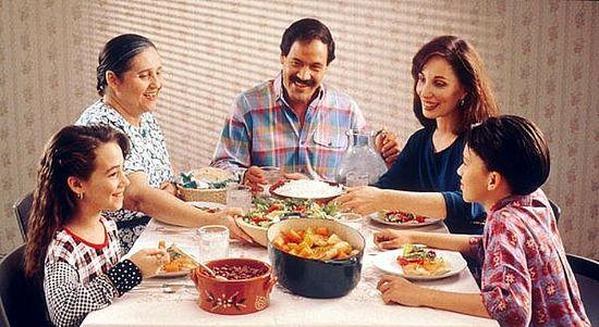 Yemeği ailece yiyin