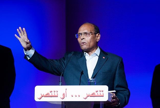 Merzuki itiraz etti, Tunus'ta seçimler erteleniyor