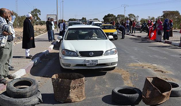 Hafter Bingazi'de Merkez Bankası'na saldırdı