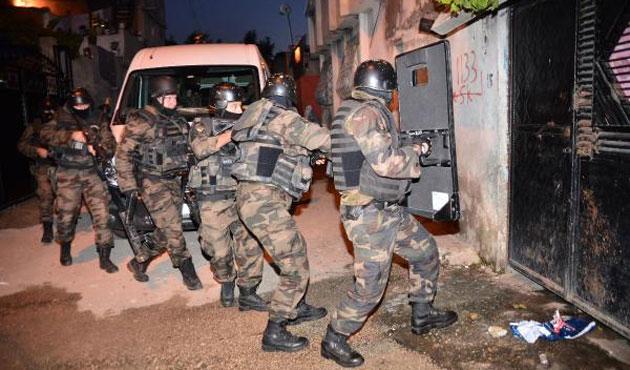 Adana'da helikopter destekli uyuşturucu operasyonu