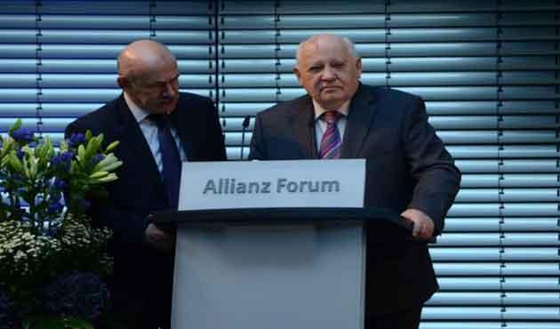 Gorbaçov: Yeni soğuk savaş kapımızda