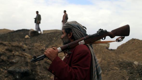 Yemen'de askeri noktaya bombalı saldırı