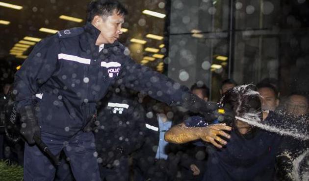 Hong Kong'da protestocuların lideri açlık grevine girdi