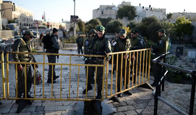 Yahudi yerleşimciler 5 Filistinliyi alıkoydu