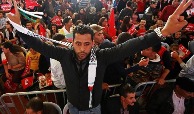 Tunus yeni cumhurbaşkanı için yarın sandık başında
