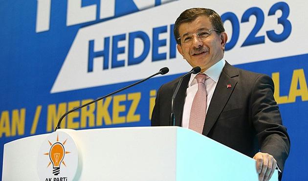 Davutoğlu: MİT'i siyasi tartışmalara çekmeyin