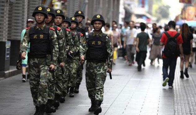 Çin polisi iki Uygur kadını öldürdü
