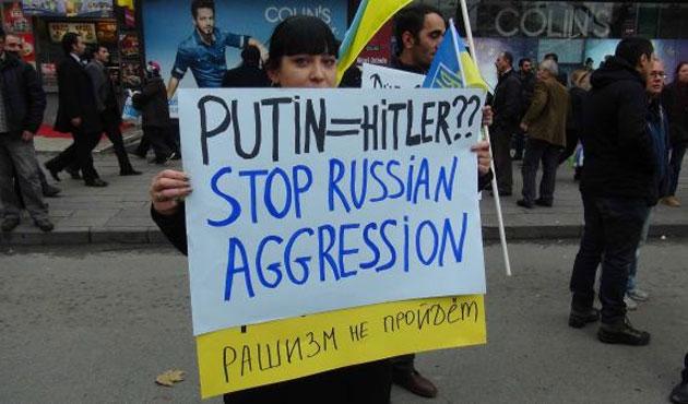 Kırım Tatarlarından  Putin'e protesto