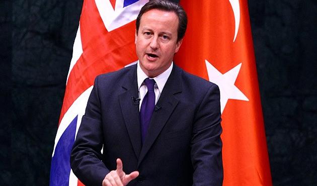 İngiltere'de büyüme hız kesti, Cameron zorda...