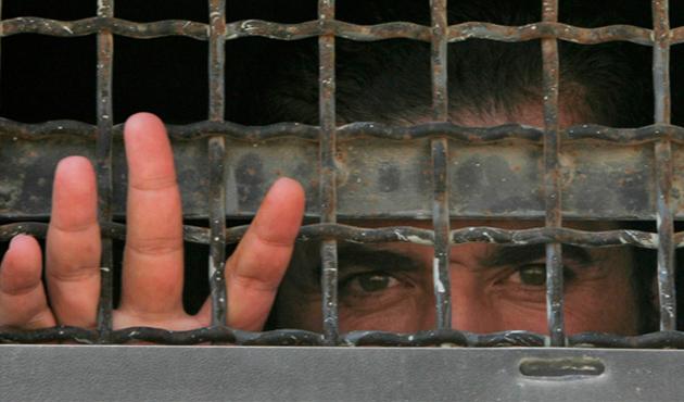 İsrail hapishanelerindeki Filistinliler açlık grevinde