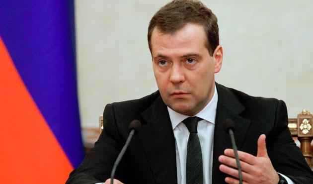 Medvedev'e göre Rus askerleri Suriye'de kalıcı değil