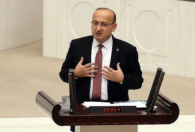 Akdoğan: Basın efendilik taslayamaz