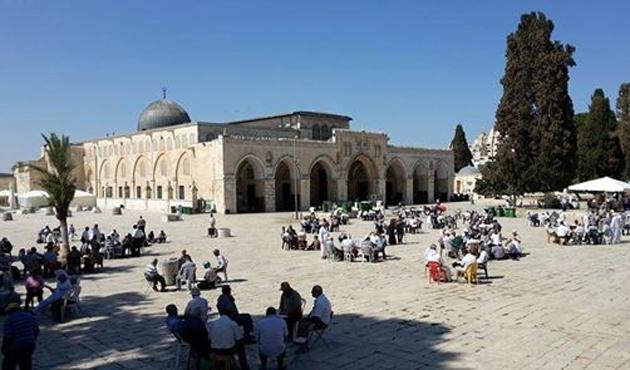 'Kudüs işgalcileri dost olamaz'