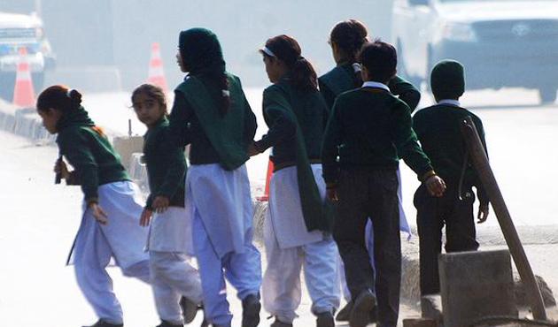 Taliban'ın öldürdüğü öğrencilerin adları okullara verildi
